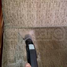Fotel w trakcie czyszczenia